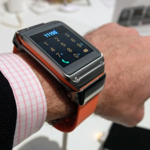 Samsung-Galaxy-Gear-wrist-square
